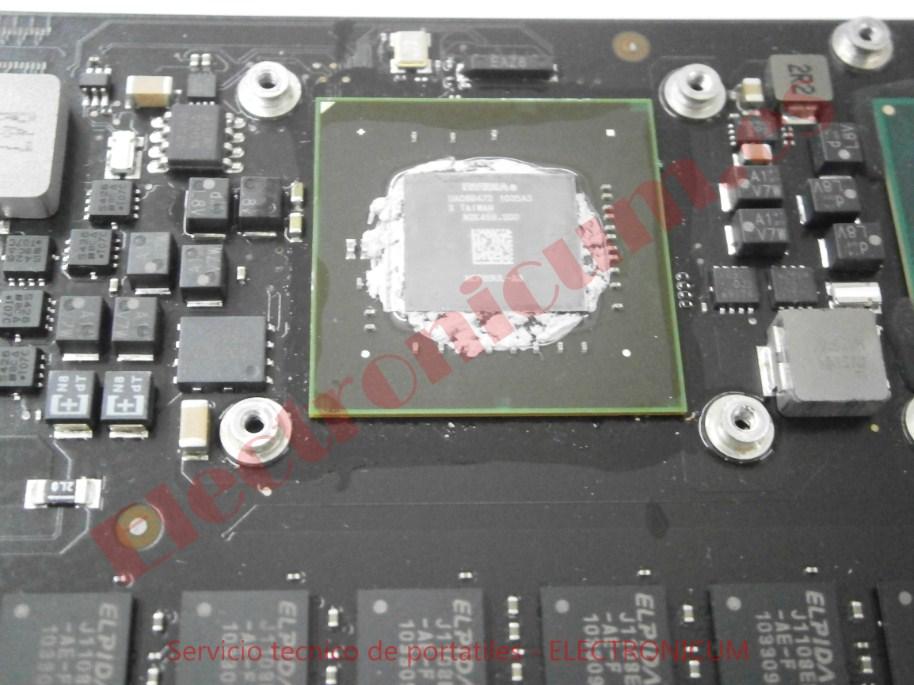 Cambiar pantalla y teclado MacBook Pro Tarrasa 3
